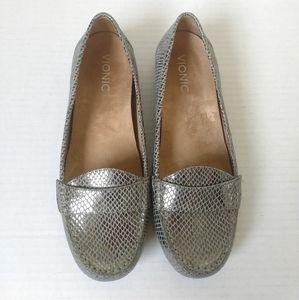 Vionic Chill Larrun snakeskin loafer metallic sz 8